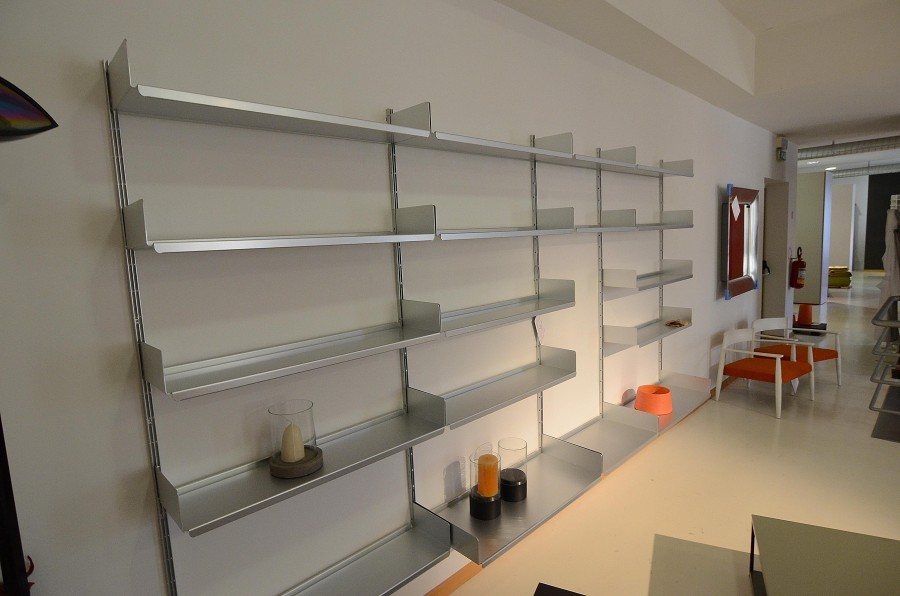 Modulo libreria de padova 606 universal shelving system a for Armadi padova