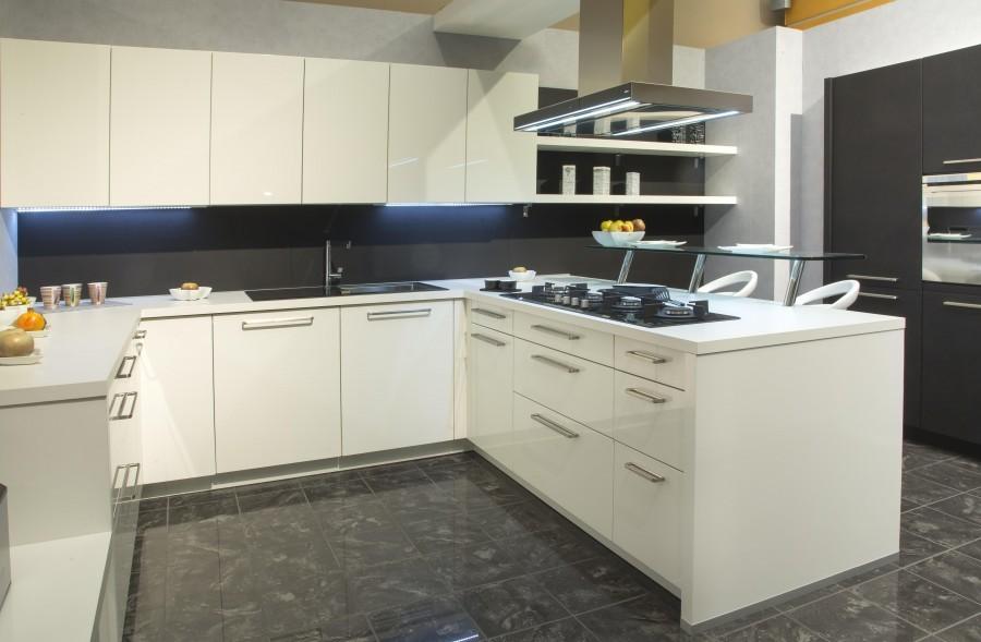 Cucina Alno Gloss Bianco a Novara - Sconto 62%