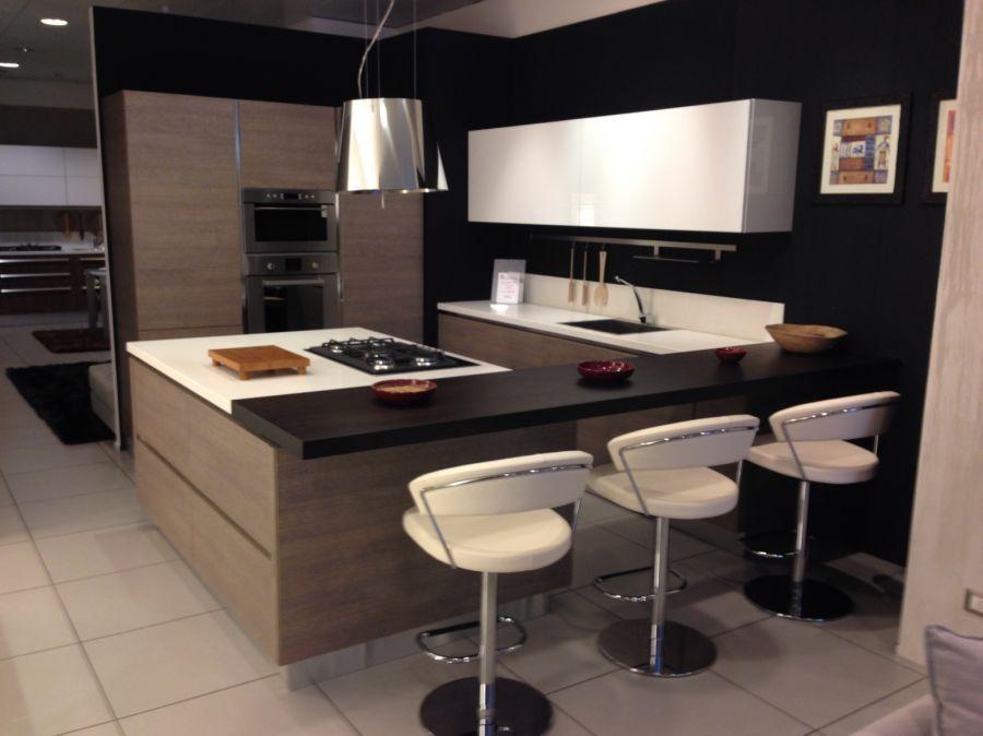 Cucina berloni b 50 rovere mud e laccato bianco a como codice 6168 - Cucina laccato bianco ...