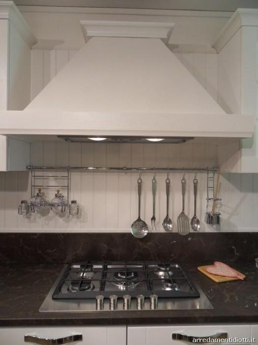 Cucina angolare Stosa Cucine Beverly a Monza e Brianza - Sconto 47%