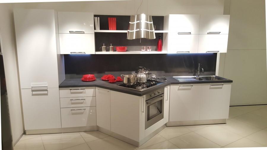 Cucina Veneta Cucine CARRERA a Milano - Sconto 45%
