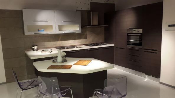Veneta Cucine Moderne Con Isola ~ Tutto su ispirazione design casa