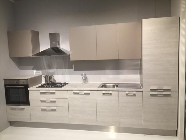 Cucina arredo3 cloe a novara sconto 40 - Cucine lineari moderne ...