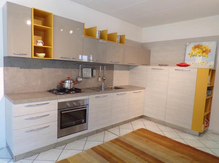 Cucina angolare arredo3 cloe a brescia sconto 52 for Arredo cucina design