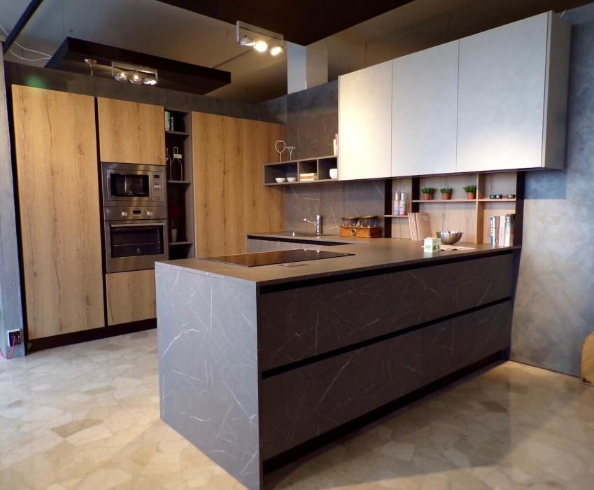 Cucina angolare arredo3 kal a bergamo sconto 40 for Arredo cucina design