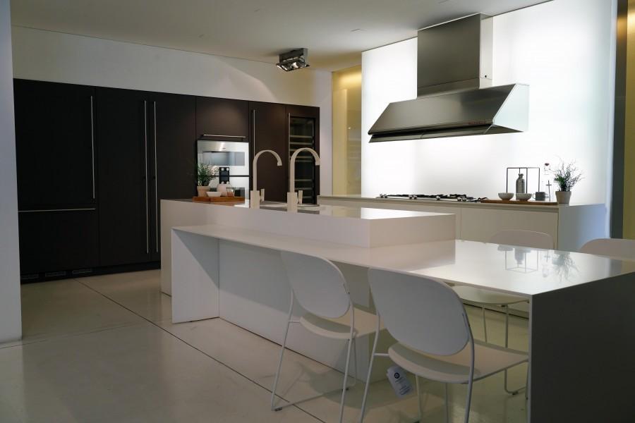 Cucina con Isola Camagni Cucine White Steel