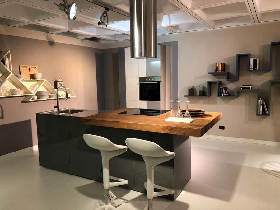 Cucina con Isola Lago Mobili 36e8 a Pavia - Sconto 40%
