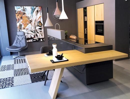 Isola Cucina Con Piano Snack.Cucina Con Isola Meson S Murano Lecco