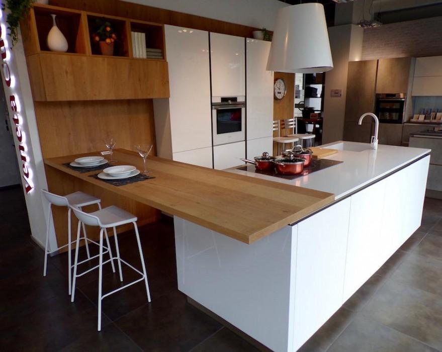 Cucina Con Penisola Veneta Cucine Lounge Pro A Bergamo Sconto 50