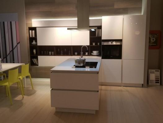 Veneta Cucine Isola.Cucina Con Penisola Veneta Cucine Oyster Pro Pavia