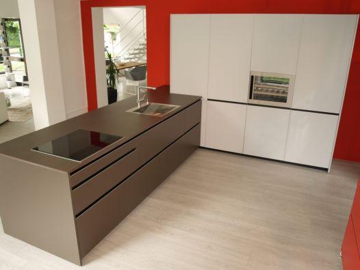 cucina con penisola demode valcucine digma a milano. Black Bedroom Furniture Sets. Home Design Ideas