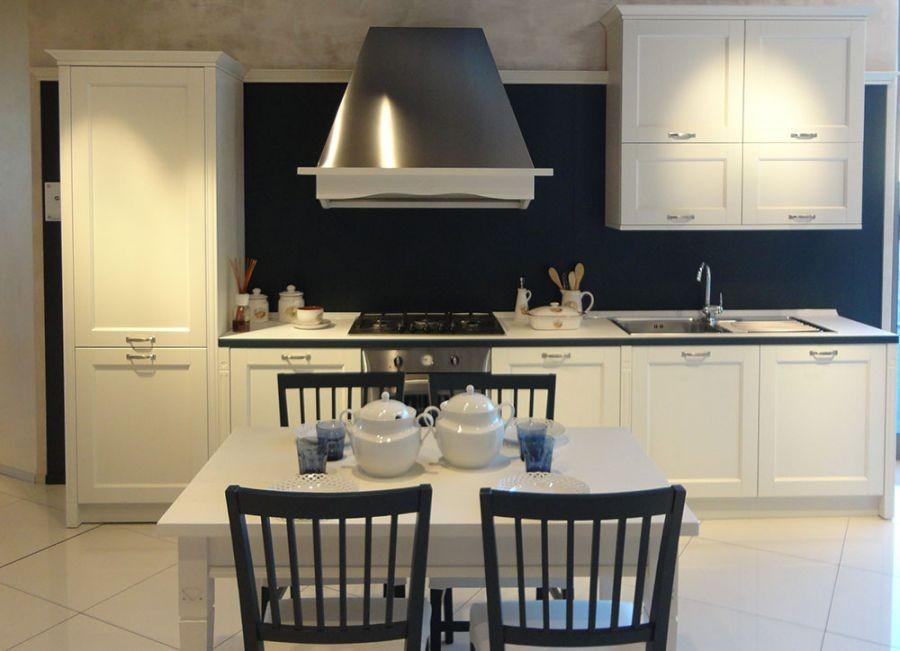 Cucina lineare Veneta Cucine Gretha