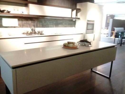 Cucina lineare dada hi line a brescia for Negozi arredamento low cost