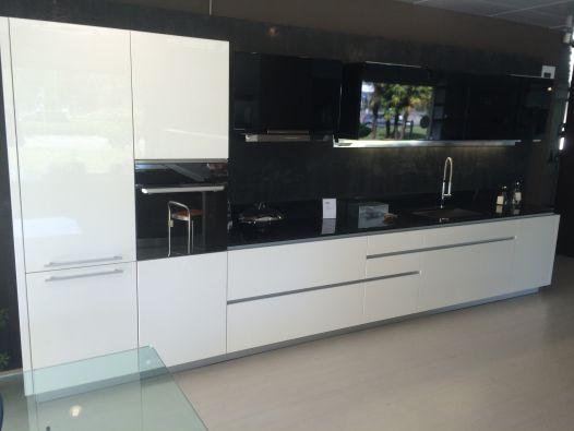 Cucine Hi Line Di Ferruccio Laviani Per Dada : Pin la cucina componibile hi line di dada progettata da