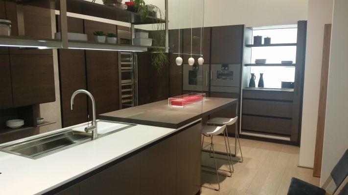 Cucina angolare Dada Hi-Line 6 composizione colonne