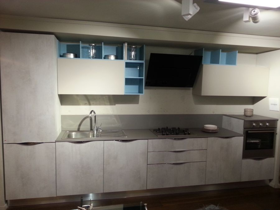 Cucina lube immagina head a milano sconto 50 - Cucine lineari moderne ...