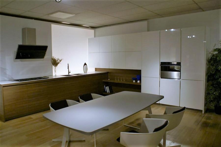 Cucina varenna matrix a rimini sconto 61 for Piano terra con 3 camere da letto con dimensioni pdf
