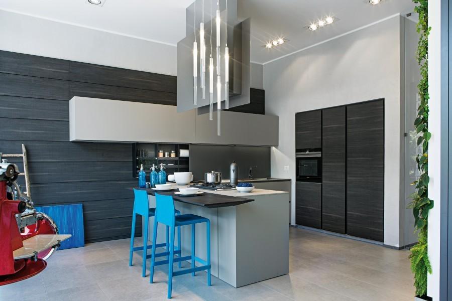 negozio più venduto nuovi prezzi più bassi negozio più venduto Cucina con penisola Modulnova MH6 a Monza e Brianza - Sconto 43%