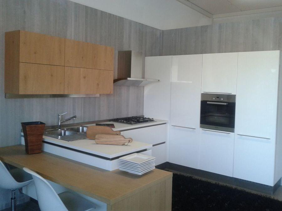 Cucina Veneta Cucine OYSTER a Livorno - Sconto 67%