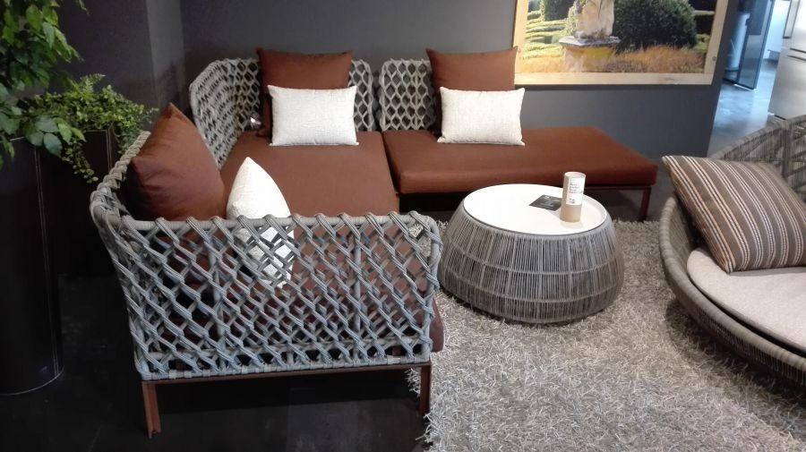 Arredamento outdoor b b italia ravel divano outdoor a for Arredamento outdoor