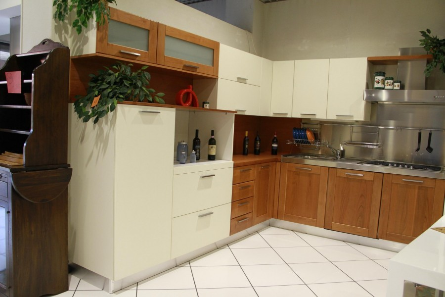 Cucina Cappellini Cucine telaio ciliegio/avorio a Lodi - Sconto 72%