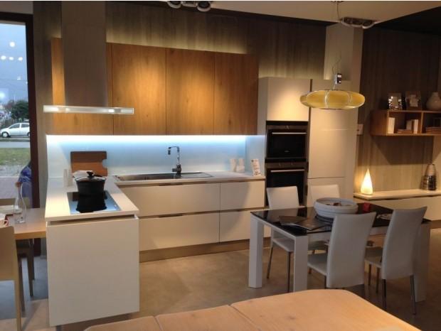 Cucine Moderne Con Isola Veneta Cucine