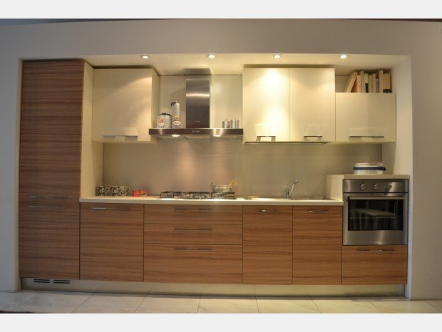 Cucine moderne classiche e country a for Molteni arredamenti varedo