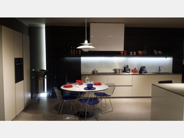 Cucina lineare Modulnova Light Vetro