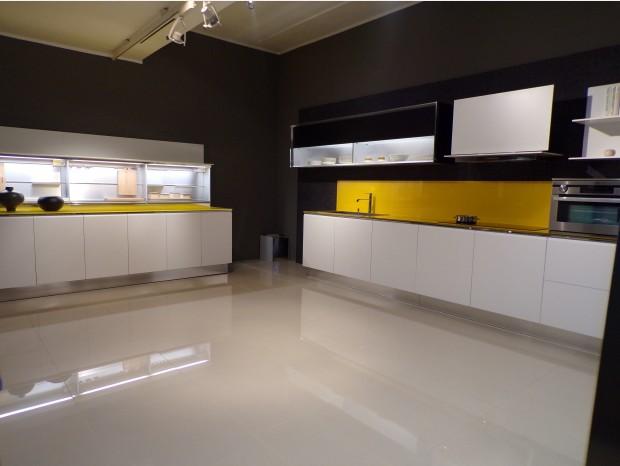 Cucina lineare Dada Trim top giallo