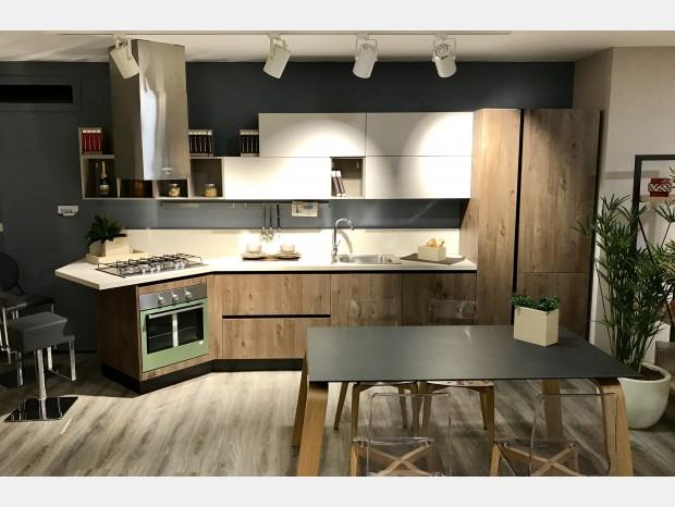 Cucina con penisola Creo Kitchens KYRA