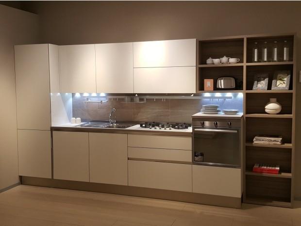 Prezzi veneta cucine offerte outlet sconti 40 50 60 for Cucine di design outlet