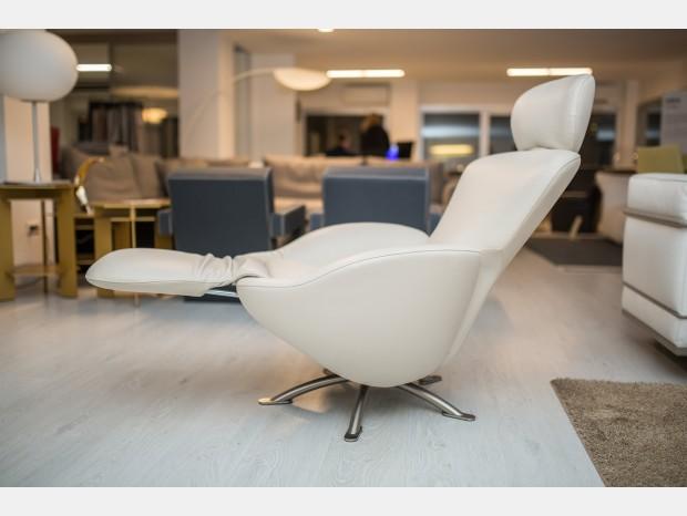 prezzi cassina offerte outlet sconti 40 50 60. Black Bedroom Furniture Sets. Home Design Ideas