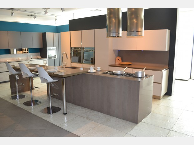 Prezzi Veneta Cucine - Offerte Outlet - Sconti 40% / 50% / 60%
