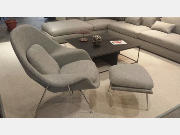 Poltrona con pouf Knoll Womb Chair