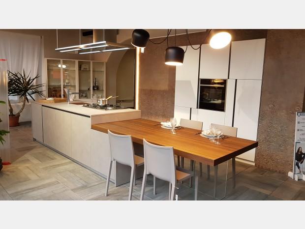 Cucina con Isola La Casa Moderna Tratto