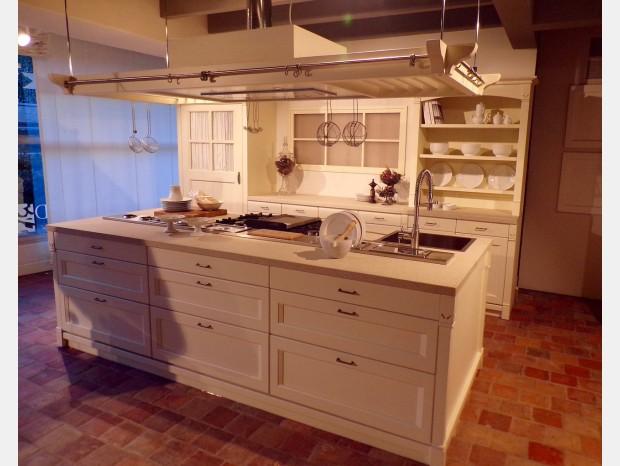 Cucina con Isola Minacciolo English Mood