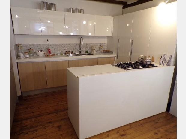Cucina con penisola Cesar Frida + Aria