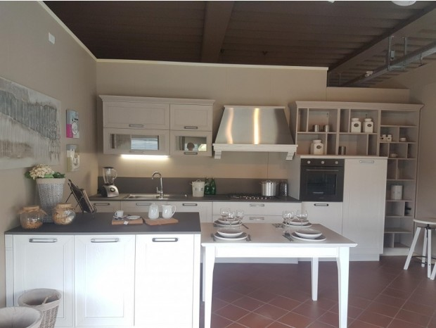 Cucine Con Isola A Firenze Sconti 35 50 60