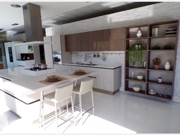 Cucina con Isola Veneta Cucine Riflex