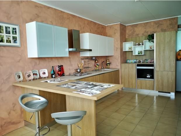 Cucina con penisola Essebi Stella/Trapezio