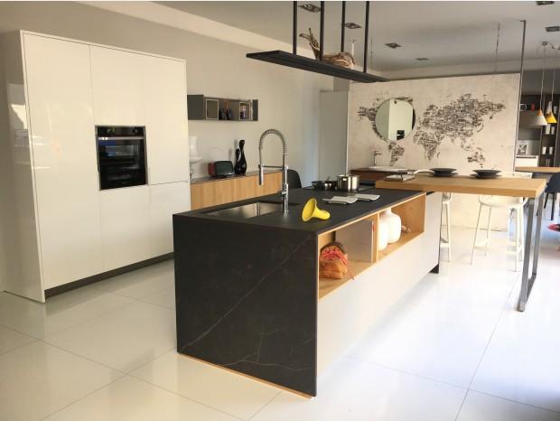 Cucina con Isola Scic Mediterraneum resina cemento