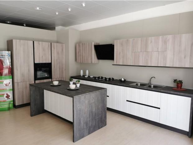 Cucina con Isola Mobilturi Camilla