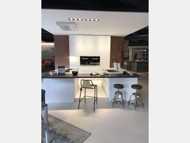 Cucina con Isola Doimo Cucine MATERIA/STYLE