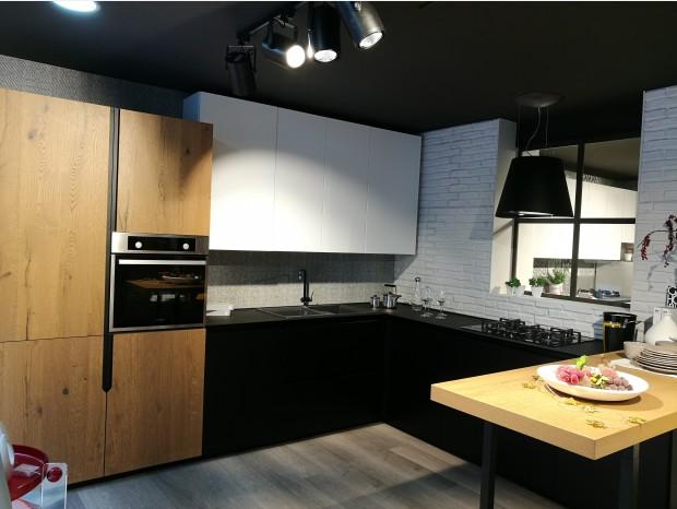 Cucina con penisola Lube OLTRE LUX