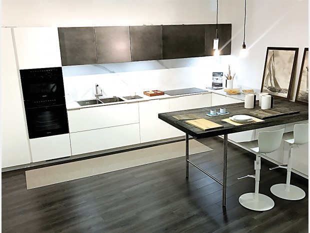 Cucina con penisola Key BASIK 04