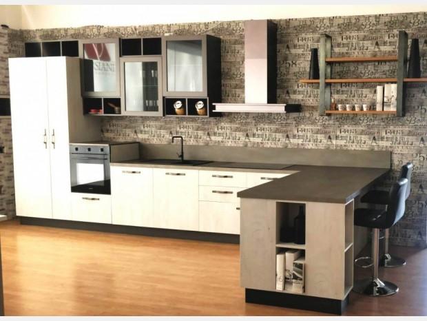 Cucina con penisola Astra Industrial SP 22
