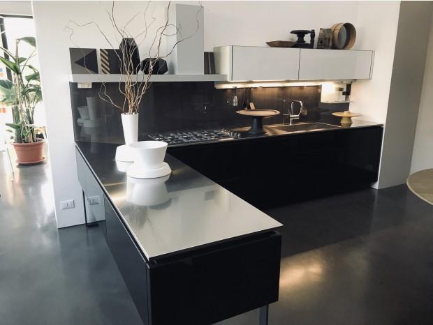 Cucina con penisola Dada hi-line