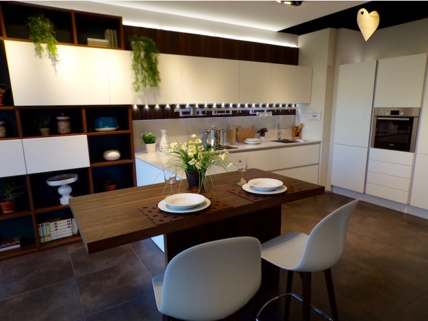 Cucina con penisola Veneta Cucine Oyster Pro
