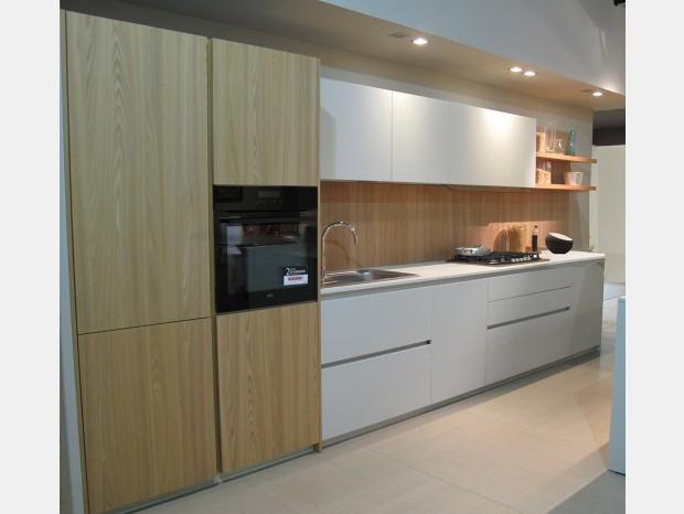 Cucina lineare Valdesign parete Logica