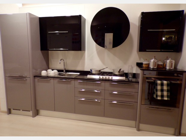 Cucina lineare Veneta Cucine Carrera